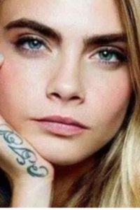 Cara Delevingne, psoriasique et tatouée
