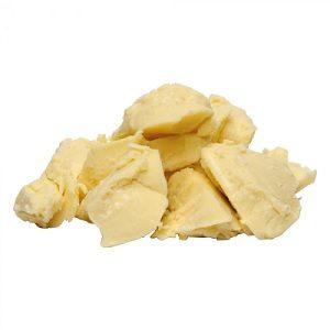 Beurre de karité pour nourrir la peau lésée